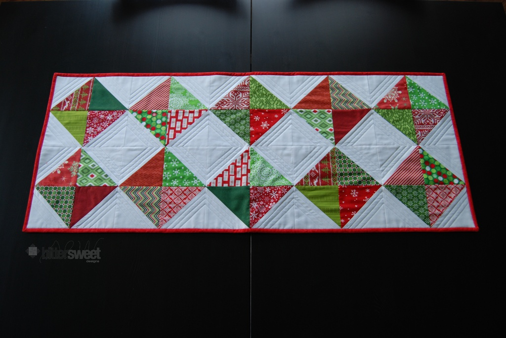 Free Pattern Christmas Quilt Table Runner : Free Quilt Pattern: Christmas Diamonds Table Runner