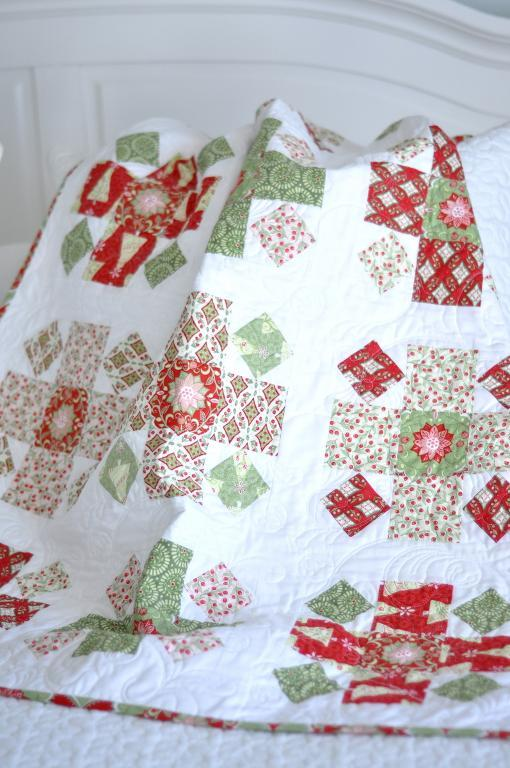 Christmas Quilt Block Patterns Free : Free Quilt Pattern: Christmas Baby Quilt Block