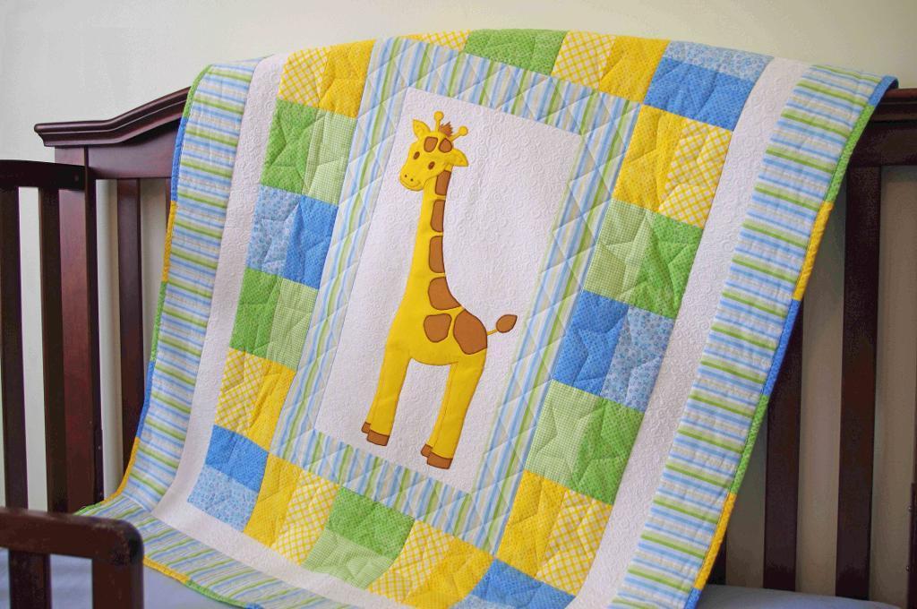 Modern 9 patch quilt block - Free Quilt Pattern Baby Giraffe Quilt