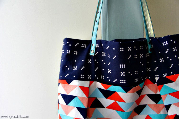 Free Sewing Pattern: Waterfront Park Pleated Tote | I Sew Free