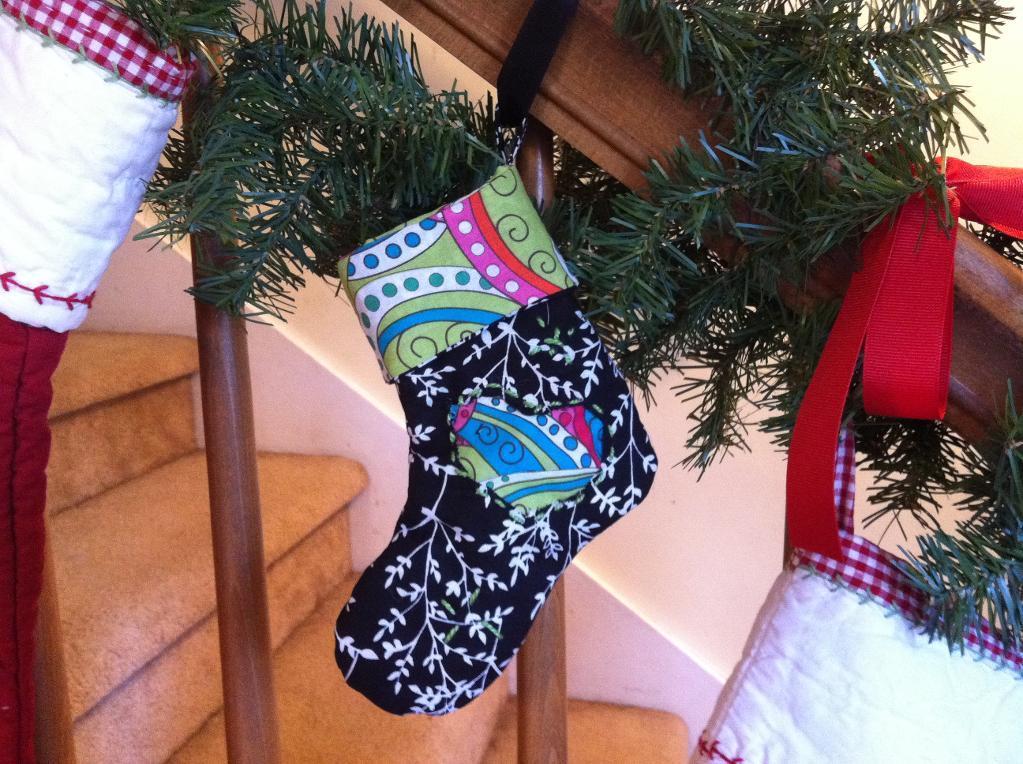 Free Sewing Pattern: Mini Christmas Stocking | I Sew Free