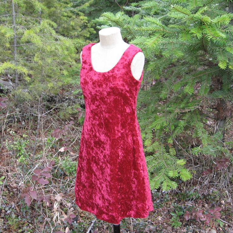 Knit Dress Sewing Pattern : Free Sewing Pattern: Half Scale Sleeveless Knit Dress