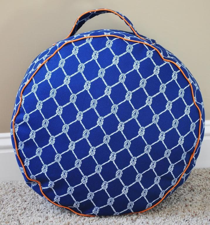 Floor Pillows Sewing Pattern : Free Sewing Pattern: Floor Cushion