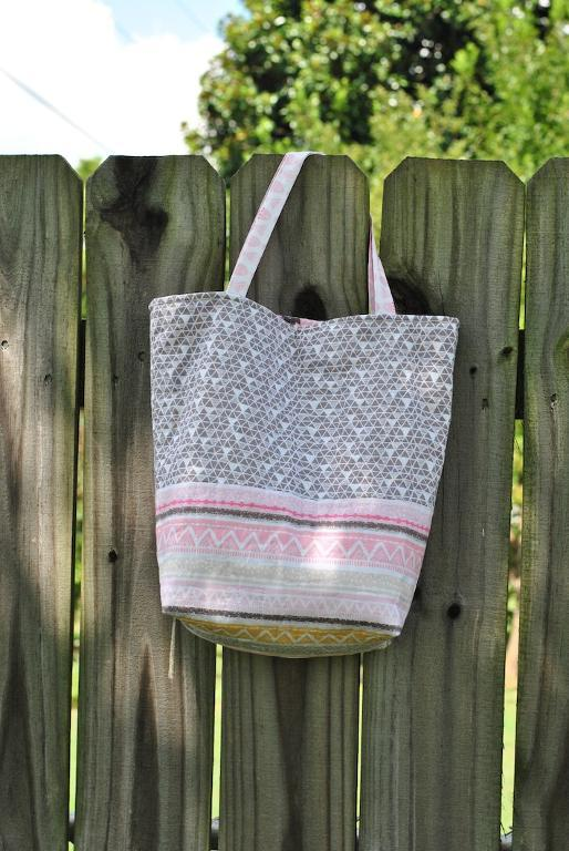 Free Quilt Pattern: Quilted Gift Bag Tote Pattern