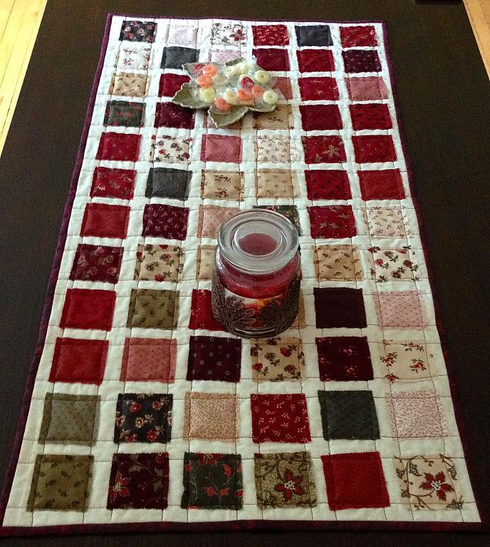 Free Quilt Pattern: Mini Charmer Holiday Table Runner – I Sew Free