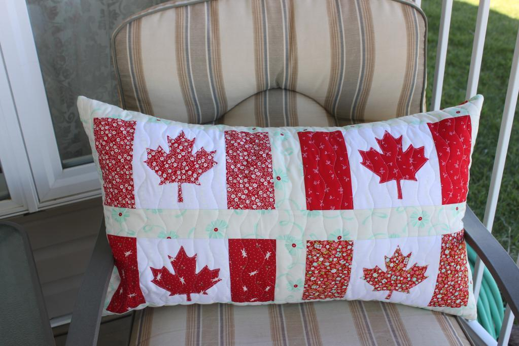 Maple Leaf Quilt Pattern Table Runner : Free Quilt Pattern: Canadian Flag Block Maple Leaf Template