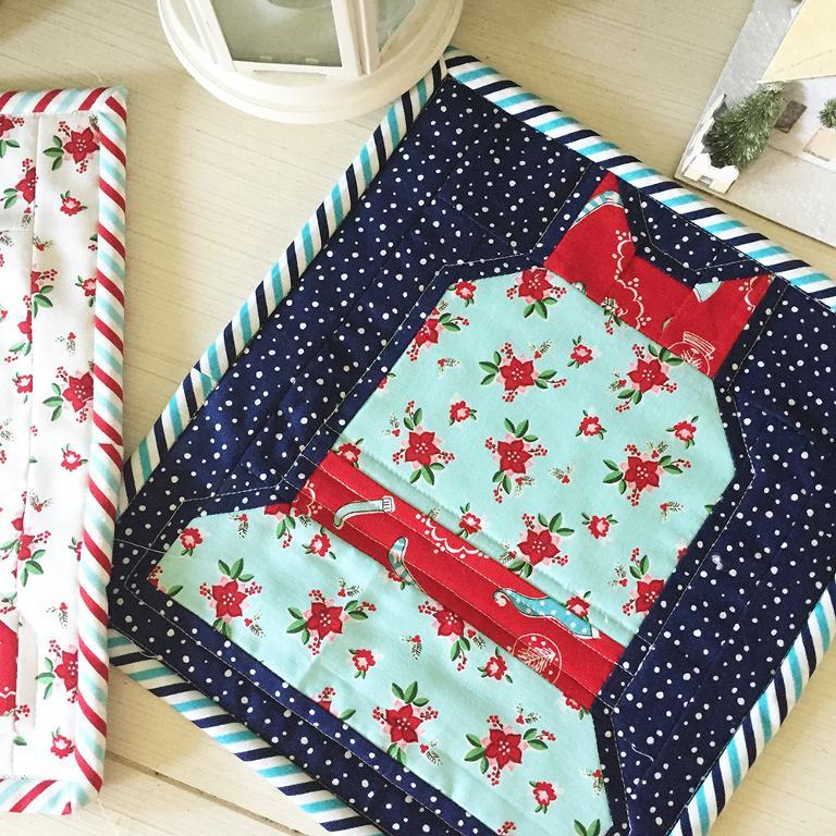 Christmas Quilt Block Patterns Free : Free Quilt Pattern: Christmas Bell Block