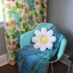 Free Sewing Pattern:  Daisy Pillow