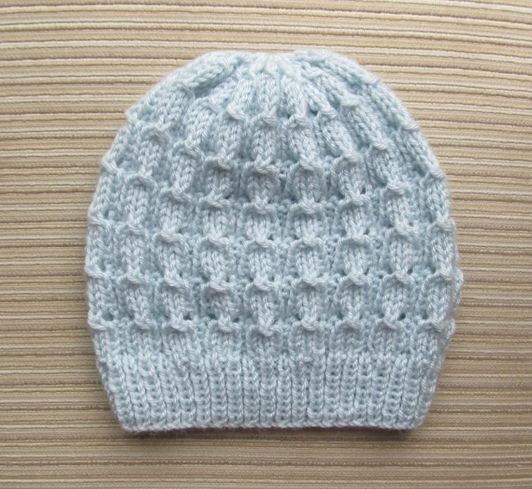 Free Knitting Pattern: Hat in Bluebell Rib Stitch | I Sew Free