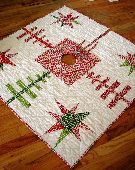 Free Quilt Pattern Quilted Christmas Tree Skirt I Sew Free,Rudolph The Red Nosed Reindeer The Movie Dvd
