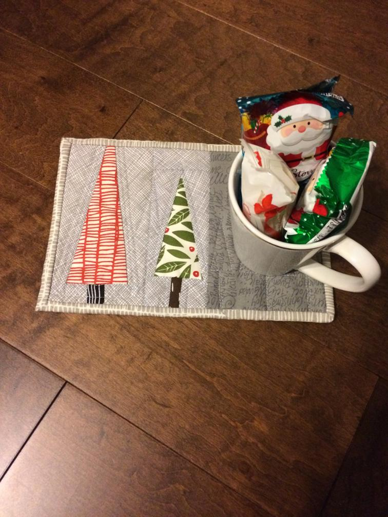 Feels Like Christmas Mug Rug I Sew