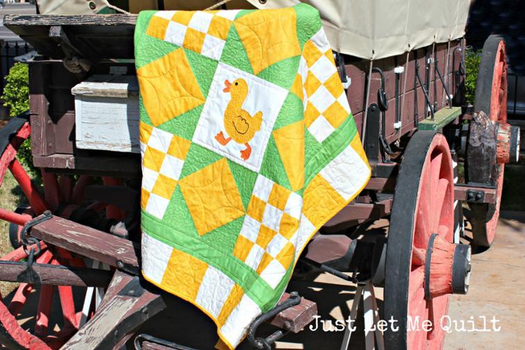 "Free Quilt Pattern: ""Run, Duck, Run!"" Baby Quilt | I Sew Free"