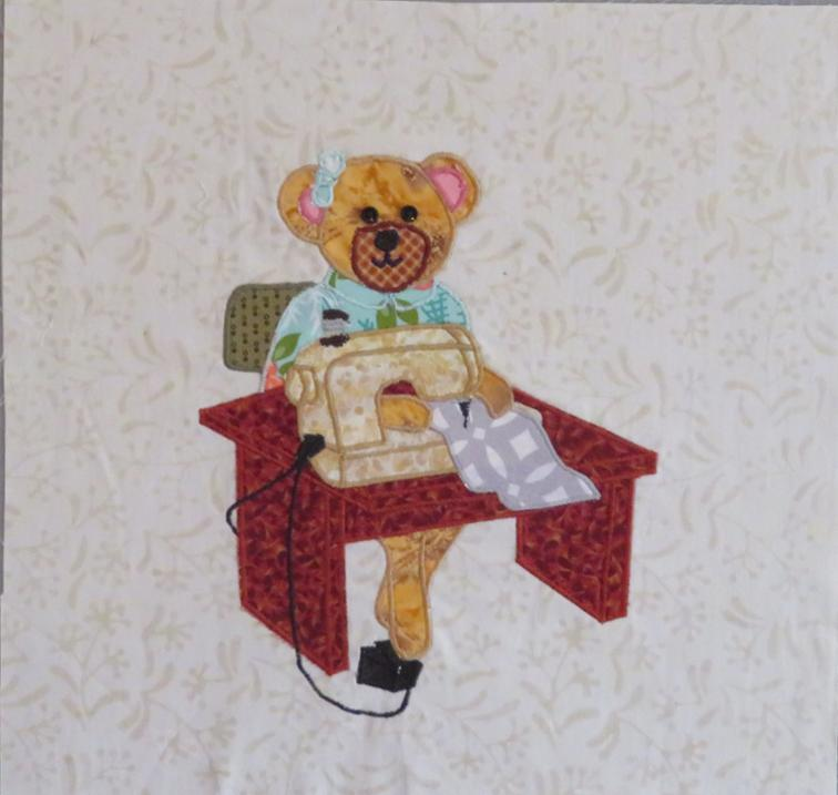 Free Quilt Pattern: Leah The Sewing Bear | I Sew Free
