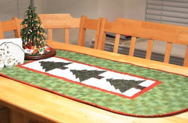 Free Quilt Pattern Christmas Tree Table Runner I Sew Free